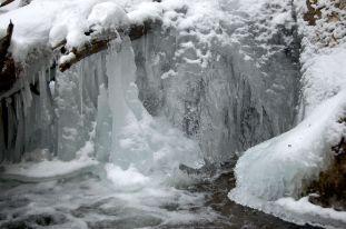 Ice sculpure in stream on Cascades hike near Blacksburg, VA January 2014 on andreabadgley.com
