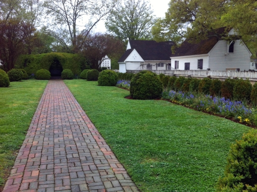 My Colonial WIlliamsburg dream garden (Wythe House) by Andrea Badgley on Butterfly Mind