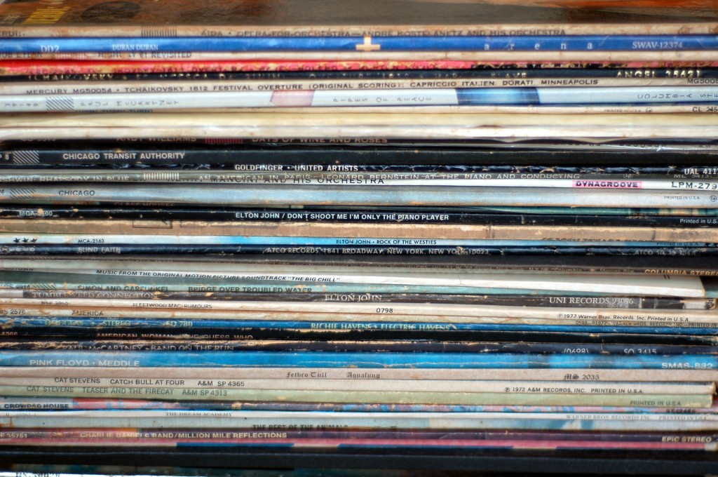 albums vinyl stack_0235