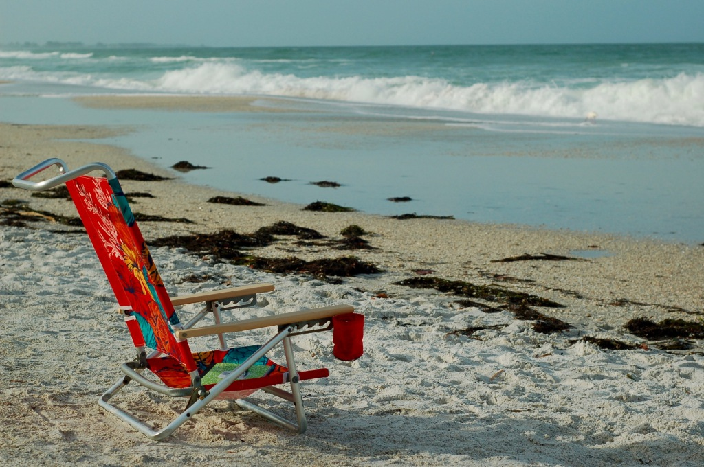 beach chair and waves