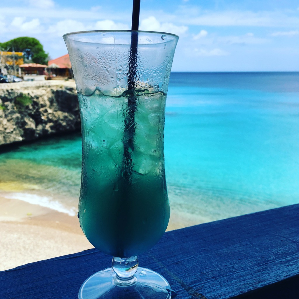 playa forti blue curacao drink_1330
