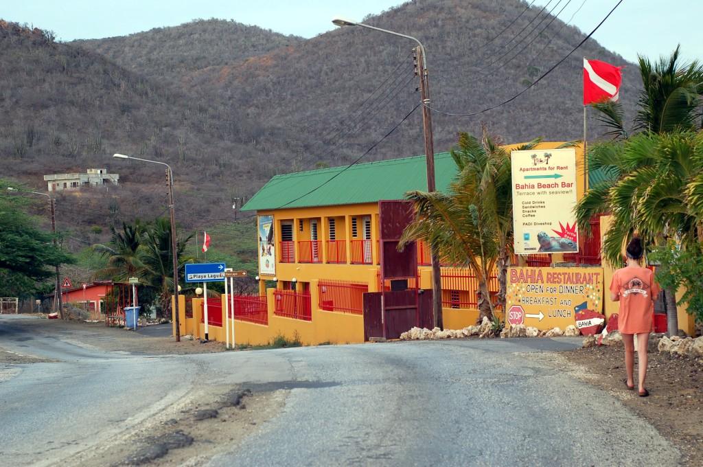 street to Playa Lagun Curacao_0172