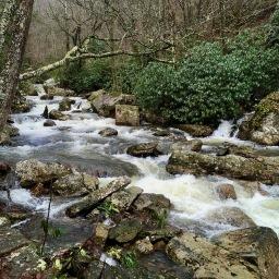 A spontaneous winter hike to a waterfall